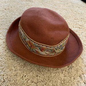 Vintage felt circle hat